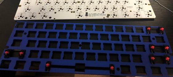 1 PCBプレートにスタビライザーを付ける
