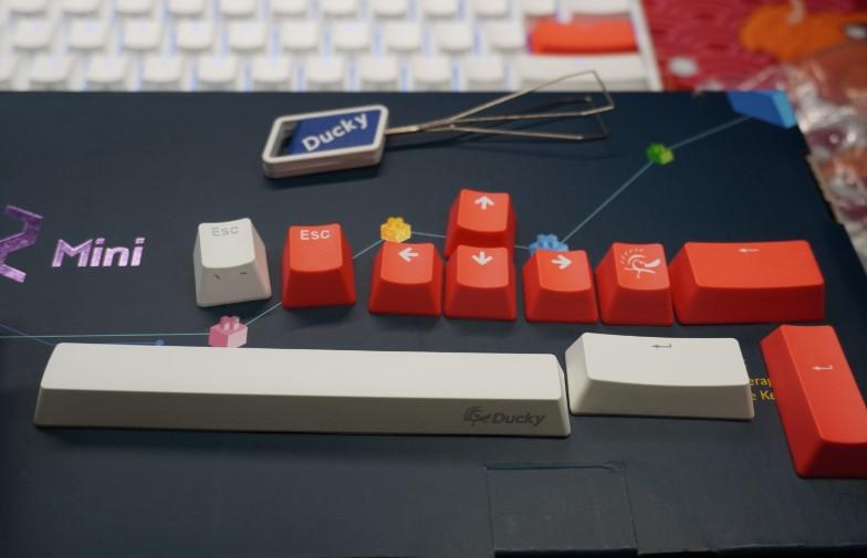 Ducky One 2 Mini Pure White RGB 60%のレビュー画像