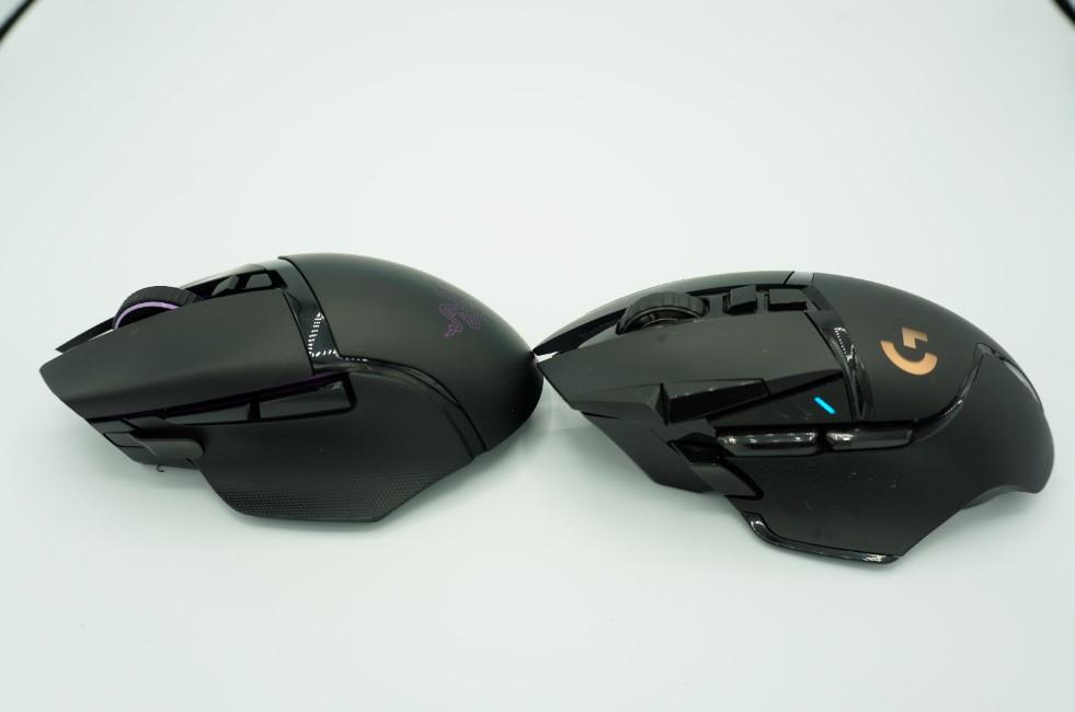 Razer Basilisk UltimateとG502WLの比較画像