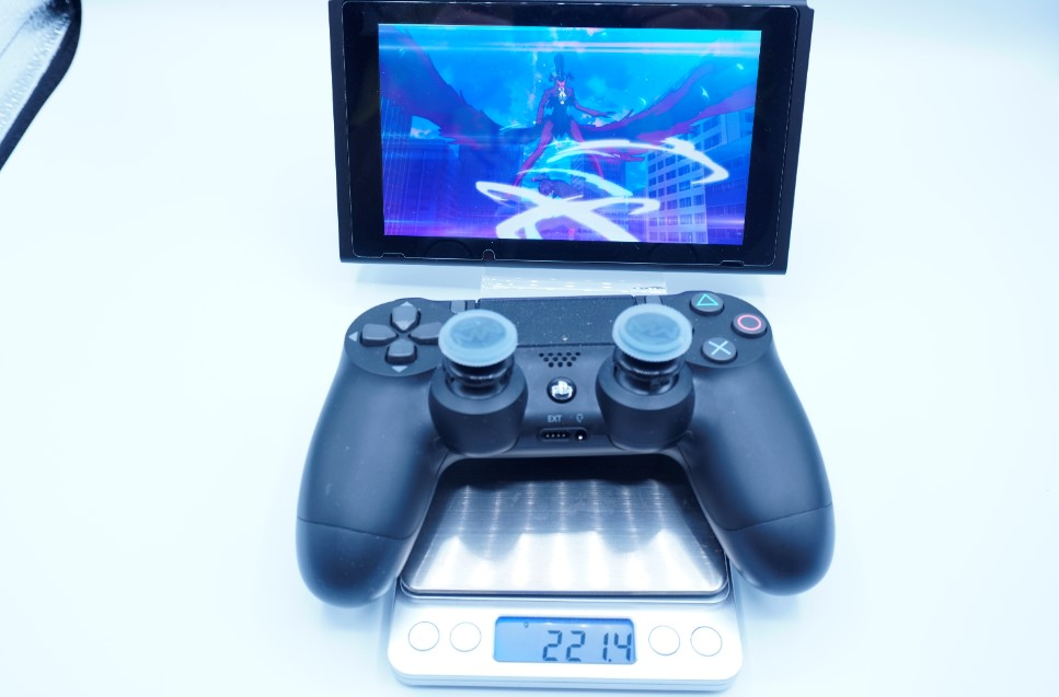 PS4コントローラーの重さ