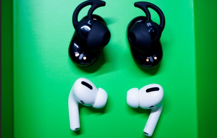 Bose QuietComfort EarbudsとAir Pods Proの比較画像